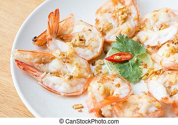 Boiled shrimp with garlic
