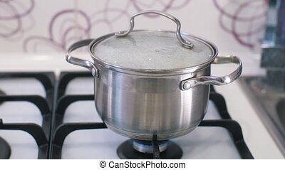 Boiling food while cooking - Boiling over food while...