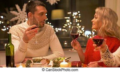 boire, heureux, amis, noël, vin rouge