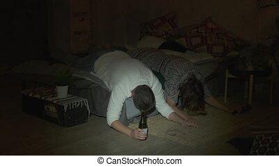 boire, lit, après, ivre, couple, mensonge