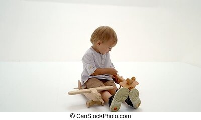 bois, avion, petit garçon, jouer
