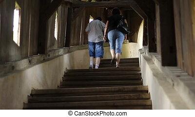 bois, escalier grimpeur, gens