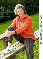 bois, femme aînée, banc
