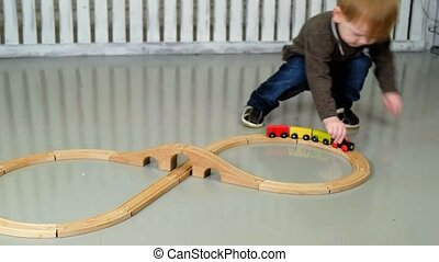 bois, garçon, peu, ferroviaire, jouer