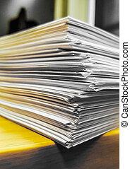 bois, grand, paperasserie, pile, bureau
