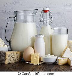 bois, produits laitiers, table