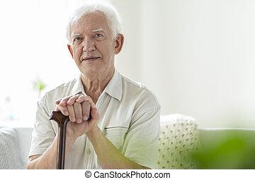 bois, soins, marchant bâton, maison, homme âgé