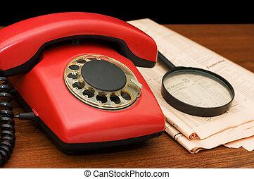 bois, téléphone, table rouge
