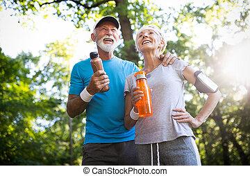 boissons, hydrate, énergie, couples mûrs, eau, remplir de...