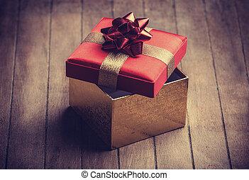 boks, drewniany, gwiazdkowy dar, stół