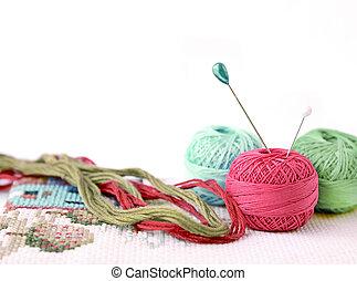 bola, isolado, poucos, alfinetes, branca, lã