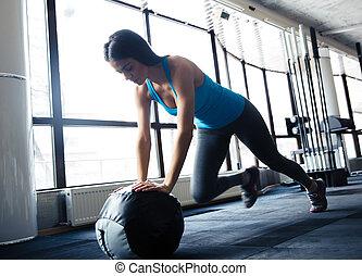 bola, mulher, jovem, ajustar, exercício