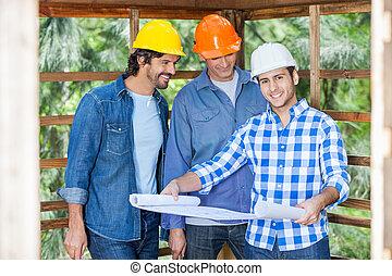 boldog, építészmérnök, noha, colleagues, elemzés, tervrajz, -ban, házhely