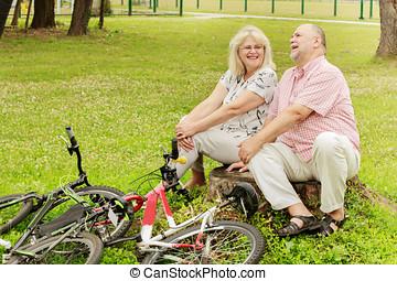 boldog, öregedő összekapcsol, bágyasztó