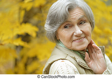 boldog, öregedő woman