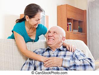 boldog, feleség, ember, mosolygós, idősebb ember