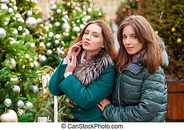 boldog, fiatal, 2 women
