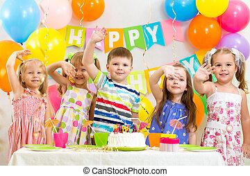 boldog, gyerekek, misét celebráló, születésnap, ünnep