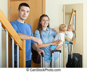 boldog, három, család, poggyász