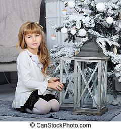 boldog, kevés, mosolyog lány, noha, christmas labda