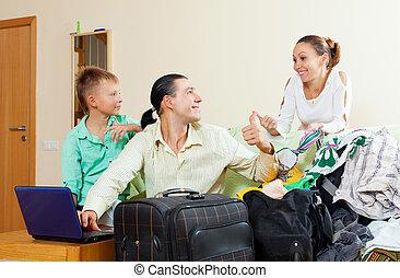 boldog, loughting, család, közül, három, noha, tizenéves, vesz jelöltnévsor