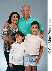 boldog, nagyszülők, gyerekek