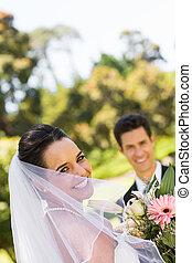 boldog, newlywed, párosít, noha, csokor