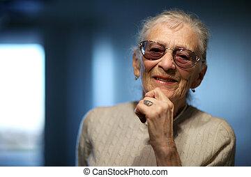 boldog, senior woman, otthon