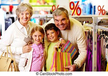 boldog, vásárlók