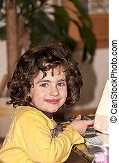 boldog, young lány külső külső fényképezőgép