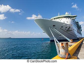 Bollard and Rope to Cruise Ship - Luxury Cruise Ship ...