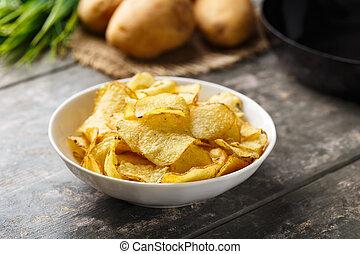 bollitore, patata cucinata, increspa