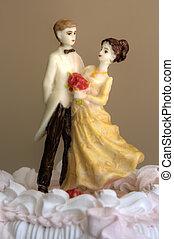 bolo, estatuetas, casório