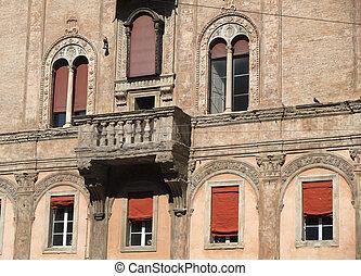 Bologna, historic buildings