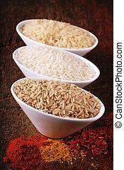 bols, trois, épices, indien, types, différent, riz