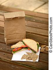 bolsa marrom, almoço