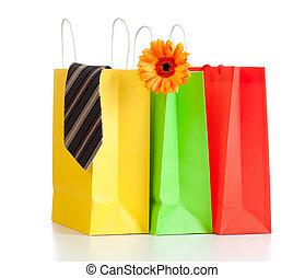 bolsas de compras, con, compras, para, familia , blanco, plano de fondo, con, reflexión