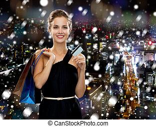 bolsas, mujer sonriente, compras