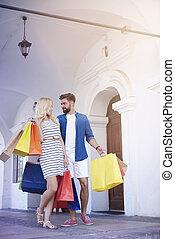 bolsas, pareja, calle, compras, ciudad