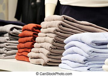 bolt, öltözék