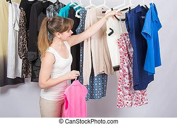bolt, leány, chooses, öltözék