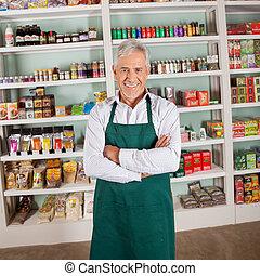 bolt, tulajdonos, mosolygós, alatt, élelmiszer áruház