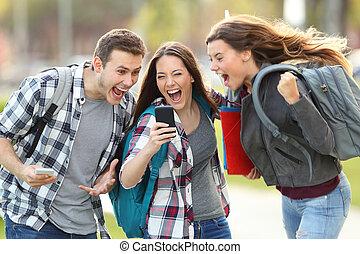 bom, estudantes, telefone, notícia, recebendo, excitado
