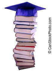 boné graduação, cima, livro, pilha