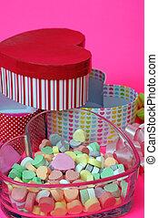 bonbon, et, boîte-cadeau, dans, forme coeur
