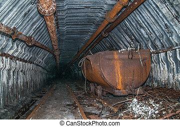 bonde, em, a, túnel mina, com, trilhos