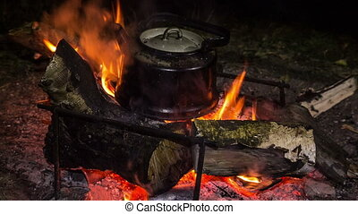 Bonfire - Kettle boils at the stake