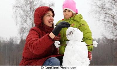 bonhomme de neige, fille, tête, virage, mère, petit