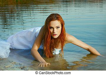 bonito, água, mulher, casamento-vestido, ruivas