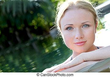 bonito, água, retrato mulher